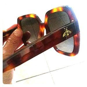 Gucci women's sun glasses